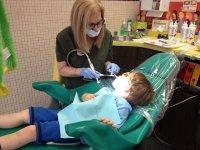 Dobry ortodonta - ortodonta - Gdy przyjrzymy się bliżej rozbudowanym możliwościom, jakie daje do dyspozycji pacjentom obecnie rynek, spostrzec można wyjątkową ich ilość. Najlepsze techniki stomatologiczne owocują przede wszystkim tym, że gabinet stomatologiczny Wrocław -  - ulepsza wraz z nimi, by było wygodnie oraz całkowicie komfortowo nie tylko dentystom, ale głównie leczonym pacjentom. Wraz z rozwojem techniki udoskonalane są też narzędzia oraz stosowane w [TAG=stomatologia